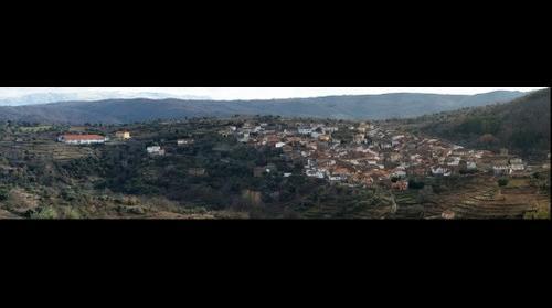 San Esteban de la Sierra desde los Muros