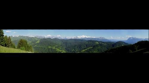 Les Gets, Chaine du Mont-Blanc depuis Mont-Caly le 13 juin 2009