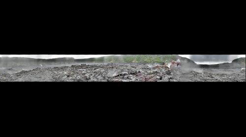Kilaueau_Iki_lava_lake_steam_vents
