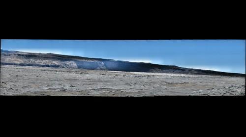 Interior_of_Mauna_Loa_summit_caldera