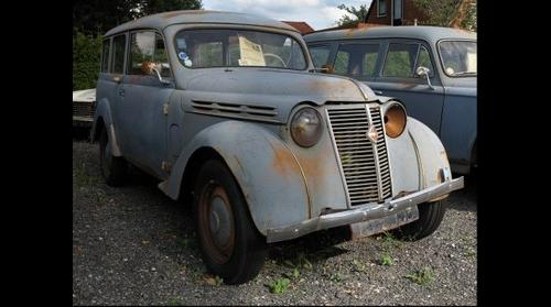 Brons Automobielen Kropswolde, Renault Juvaquatre, 1956