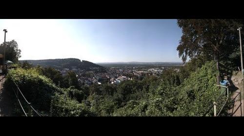 Blick über Landstuhl auf die Airbase in Ramtein