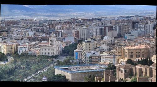 Malaga Centro con la Equitativa al Fondo, El Parque y La Alameda