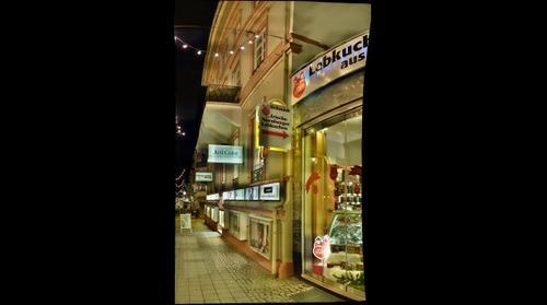 Bad Homburg v.d.H. --- Einkaufsstrasse in der Weihnachtszeit