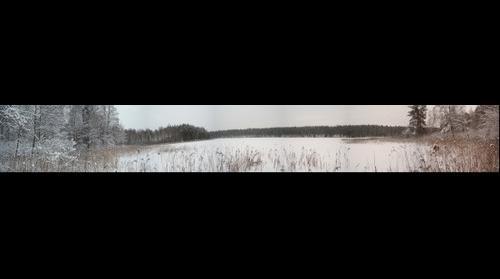 Frozen lake Aisetas. Aisetas žiemą.