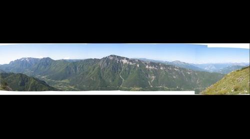 Vallarsa di Rovereto dai prati presso Corno Battisti, gruppo del Carega e monte Zugna sullo sfondo