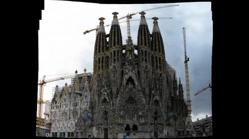 (Miguel Fernández)| La Sagrada Familia: La fachada