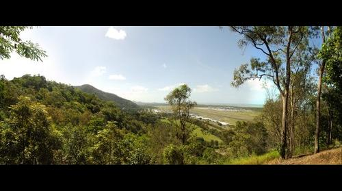 Cairns arport between the Coral Sea and the Rainforest