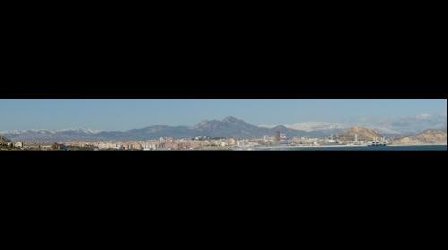 Panorámica  de Alicante nevado en el invierno 2009