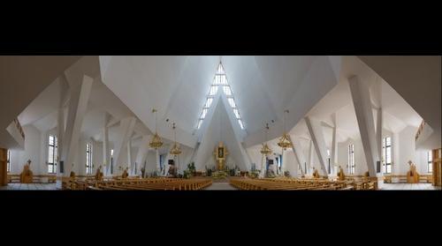 Wnętrze kościoła pw. Miłosierdzia Bożego w Dębicy, Polska [2009-04-17]