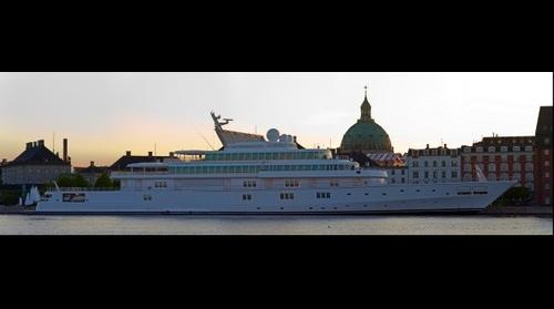 Rising Sun - The worlds 6th largest Yatch