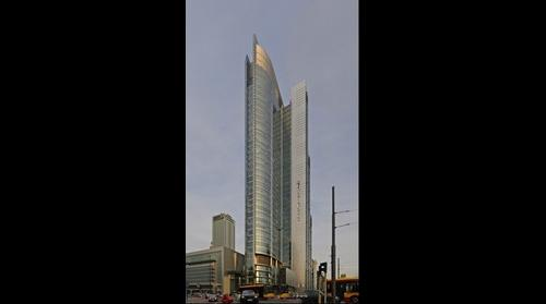 Rondo 1 building in Warsaw / Wieżowiec Rondo 1 w Warszawie