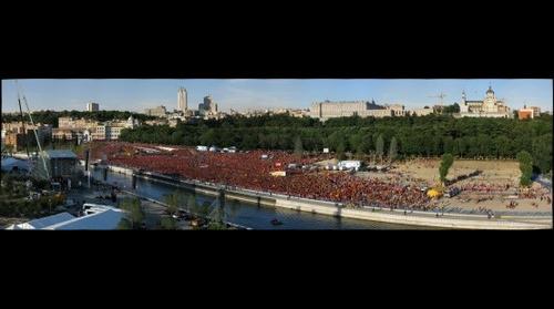 Recibimiento de La Roja en el Puente del Rey