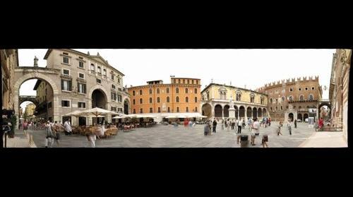 Piazza dei signori -- Verona, Italia