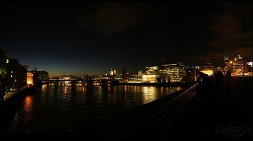 Pano off london bridge