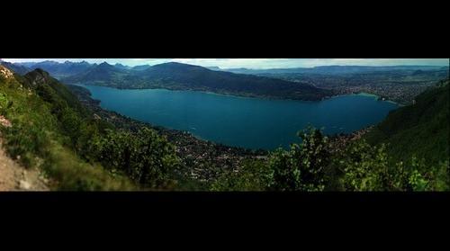 Le lac d'Annecy vu du Mont Veyrier