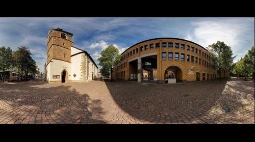 Fellbach, zwischen Rathaus und Lutherkirche
