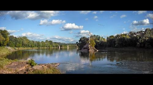 Menasen - The lone pine