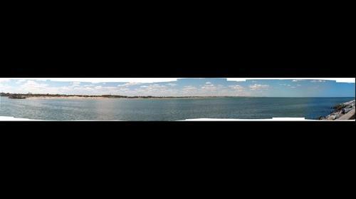Toma desde La Escollera Sur de Necochea enfocando La Playa de Quequen