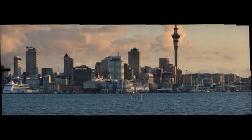 Auckland Waterfront/CBD. QUEEN Elizabeth11.in dock.17/02.2011,7pm.