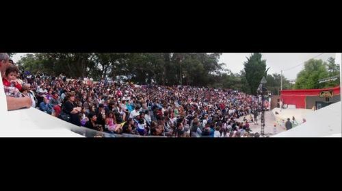 El Intendente de Necochea Molina cerrando Festival Infantil en Anfiteatro del Bosque por Alejandro Ramos