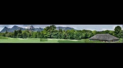 Le chateau de Gruyère et le Moléson