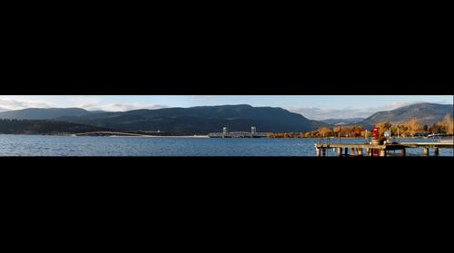 2008-11-05 - Well Lit Kelowna Bridge   Shoreline.jpg