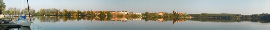 Ratzeburg: 180 Grad - Panarama vom Königsdamm über die Insel bis zur Bäk. Blick vom Bäker Weg über den Domsee.