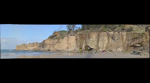 Oregon beach cliffs near Devil's punchbowl