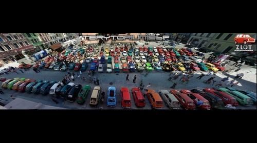 Panorama rynku w Toruniu - 8 Zlot Fiata 126p