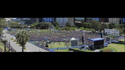 CHOGM PERTH BARBECUE WITH THE QUEEN GIGAPAN:KERRIS BERRINGTON PERTH NOW