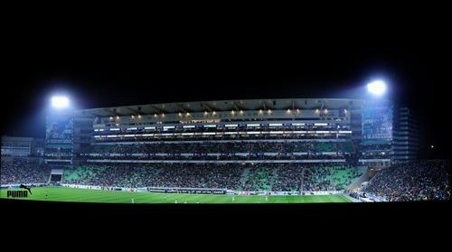 Santos vs Pumas Plateas