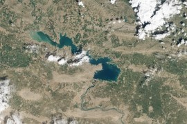 Mosul Dam Lake