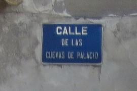Calle de las cuevs de Palacio
