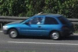 Auto auf der Bundesstrasse 33 von Singen nach Konstanz