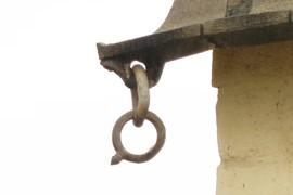 Stone chain links