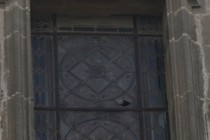 190946-210x140