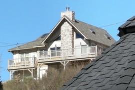 Tan House 9c