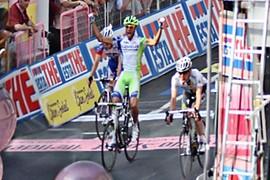 The three finalists at the finish line, Eros Capecchi wins