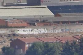 Graffitis junto a la vía